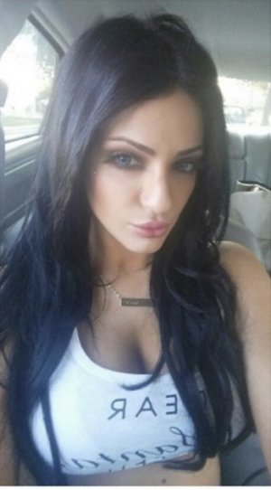 Amayel escort girl in Beech Grove Indiana