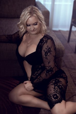 Virgina escort girls in Trenton
