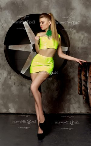 Claire-estelle escort in Streamwood Illinois